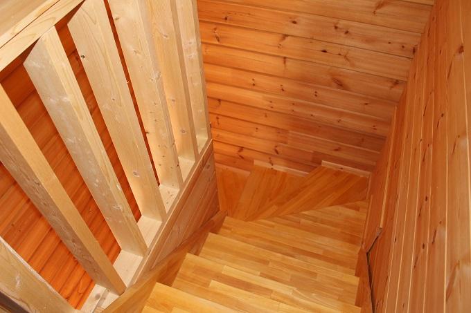 階段。2階から撮影。